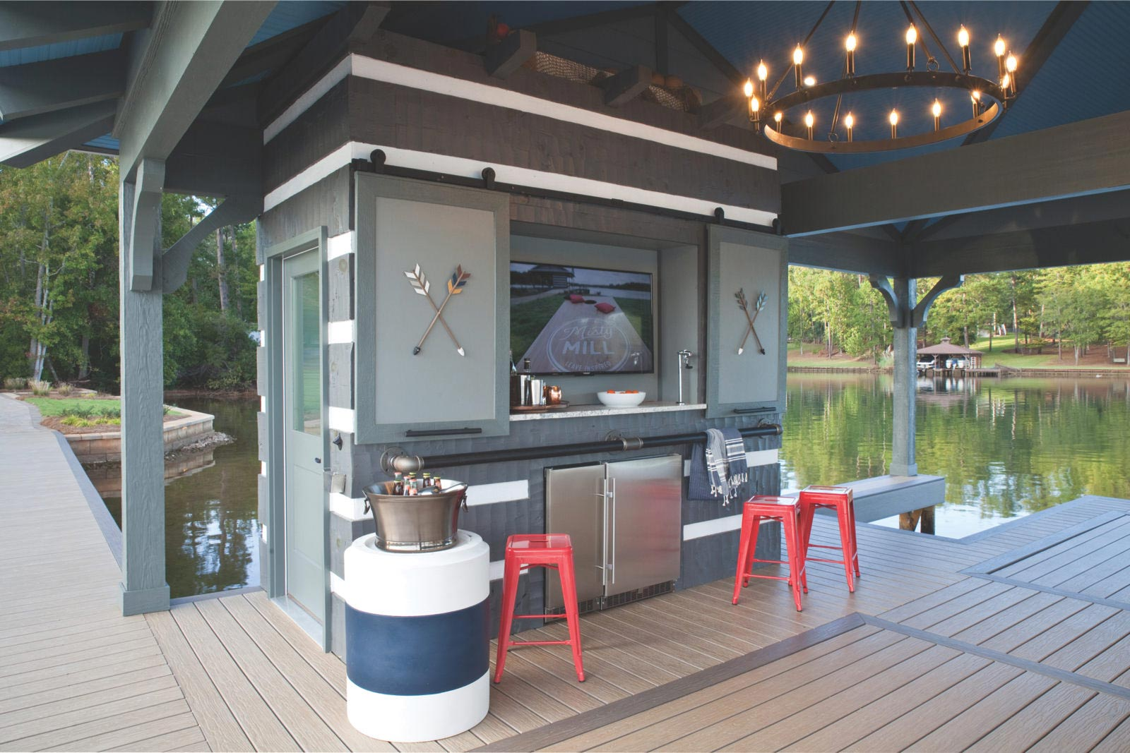 Dock with minibar